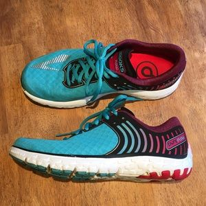 Brooks Pure Flow 6 Running Shoes